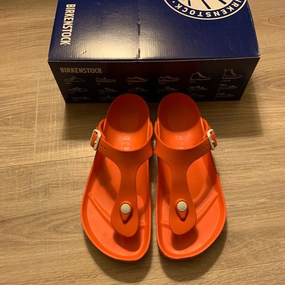 Birkenstock Women's Gizeh Sandal Orange Linen Size 36 for